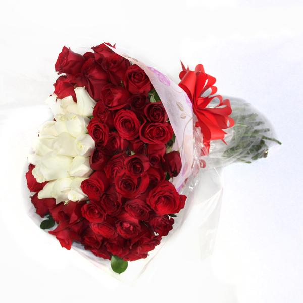 Ramo De Rosas Rojas Con Blancas Dile Con Flores